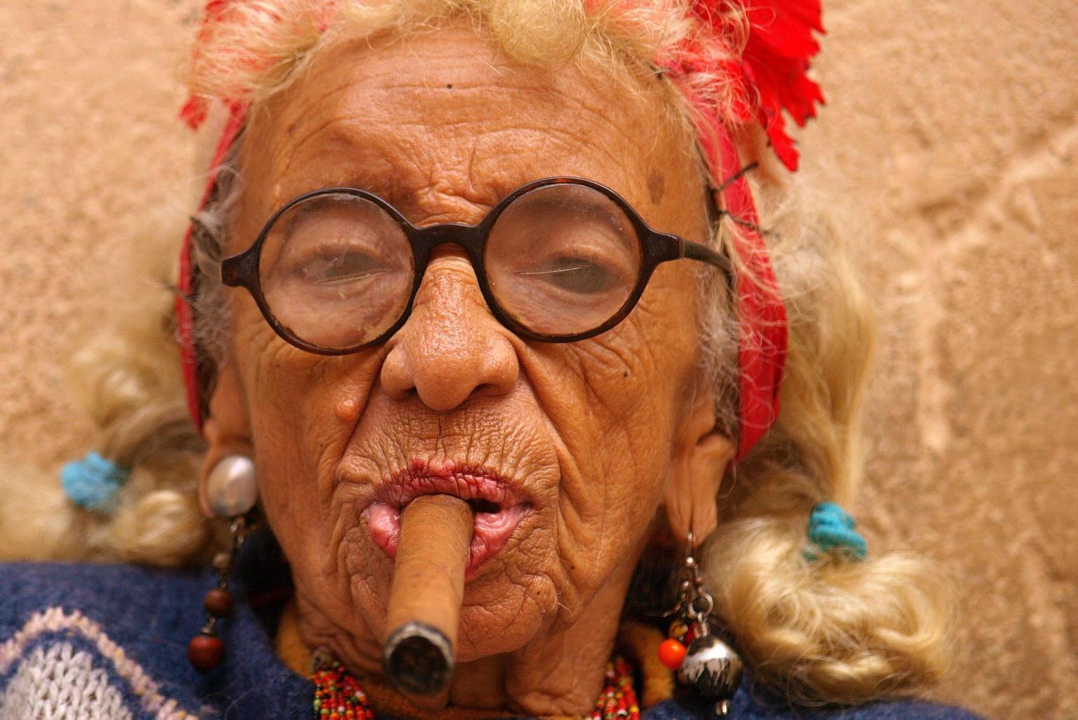 smokin' graciela, havana's famous cigar lady, is truly badass | huffpost