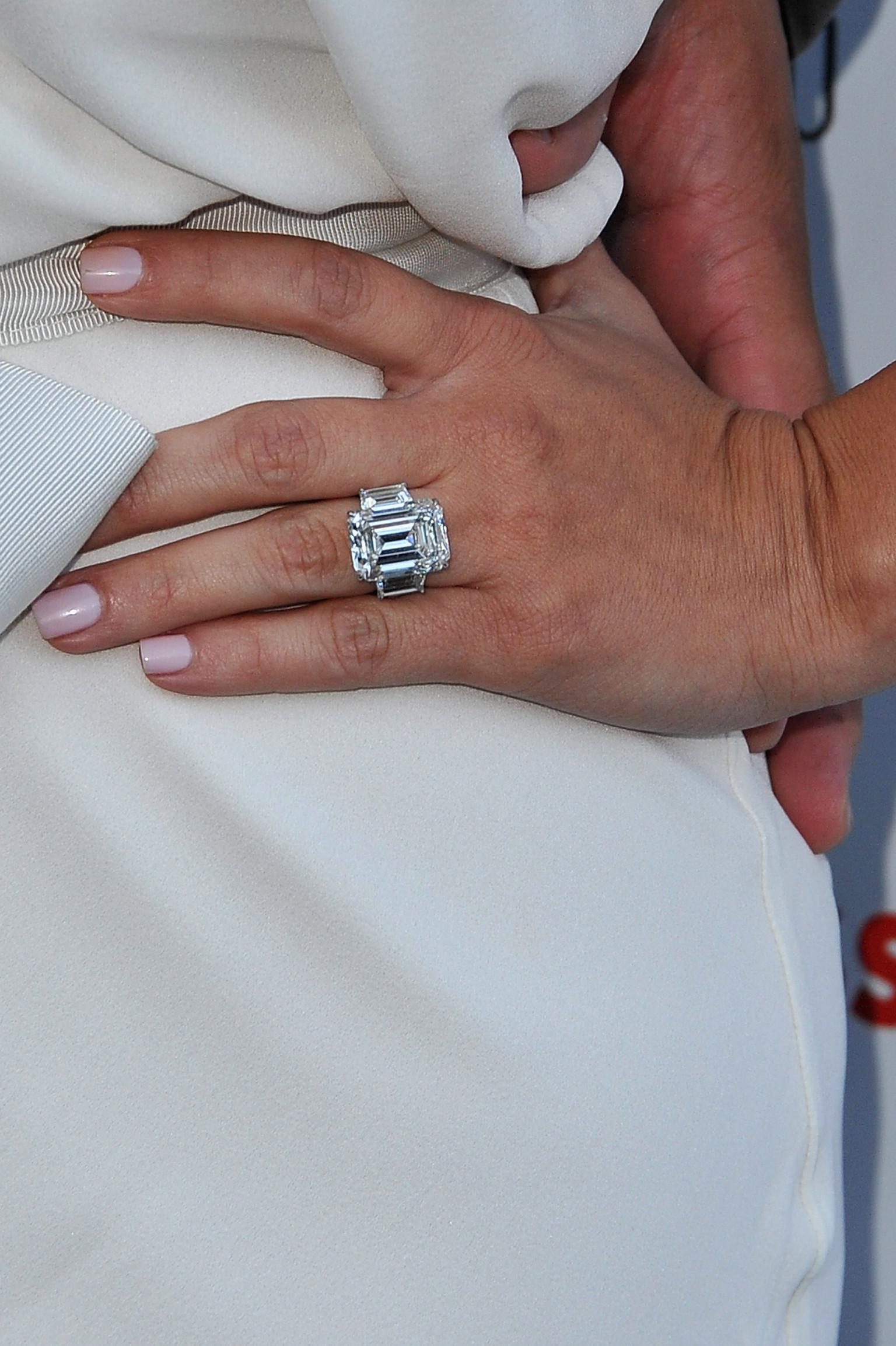 Kim Kardashian Divorce Saga Continues As Kris Humphries Auctions Off Engagement Ring