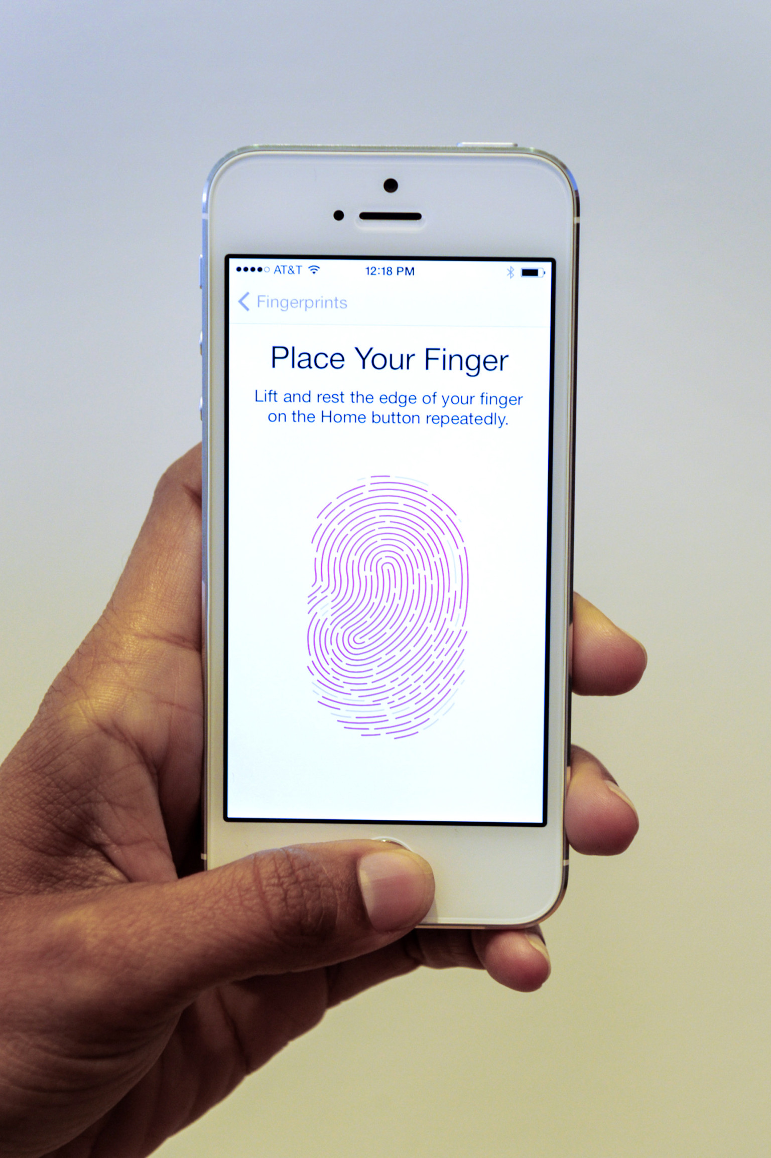 Как сделать отпечатки пальцев на айфон