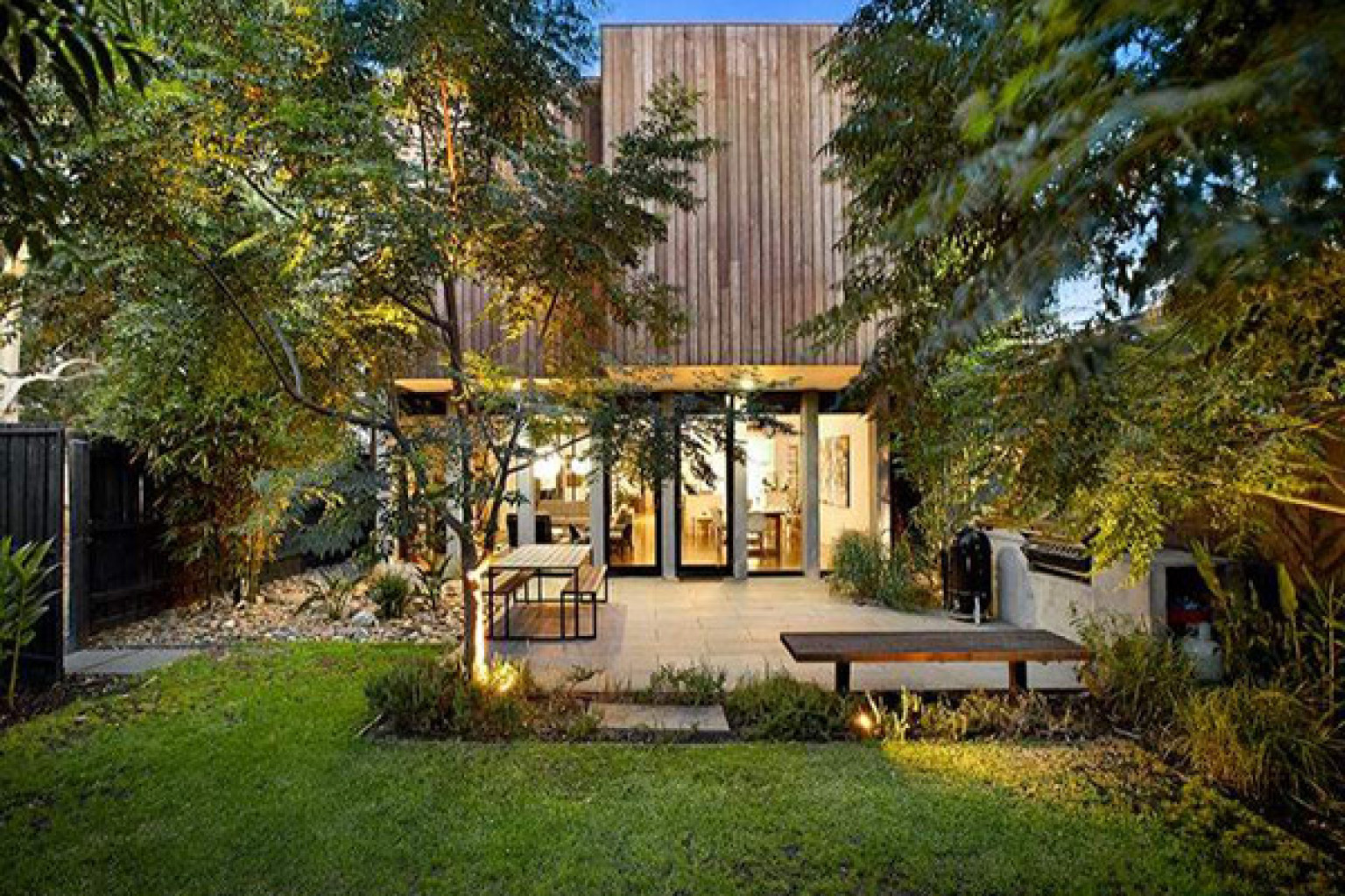 melbourne australia luxury home has the ultimate backyard for