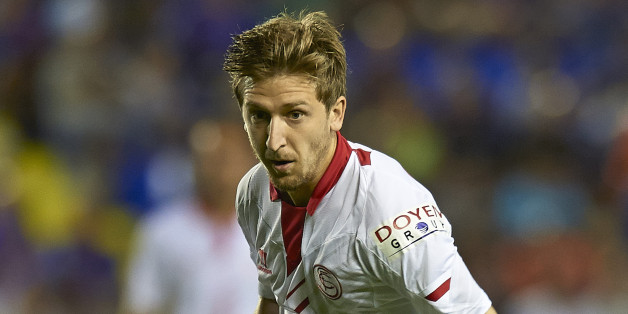 VALENCIA, SPAIN - AUGUST 25:  Marko Marin of Sevilla runs with the ball during the La Liga match between Levante UD and Sevilla FC at Ciutat de Valencia Stadium on August 25, 2013 in Valencia, Spain.  (Photo by Manuel Queimadelos Alonso/Getty Images)
