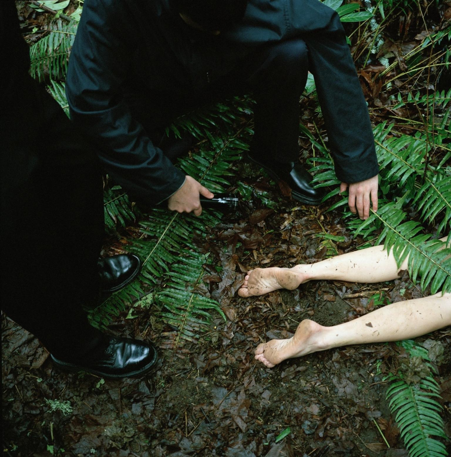 Crime Scene Photos Of Murdered Girls 3 Dead Bodies Found In...