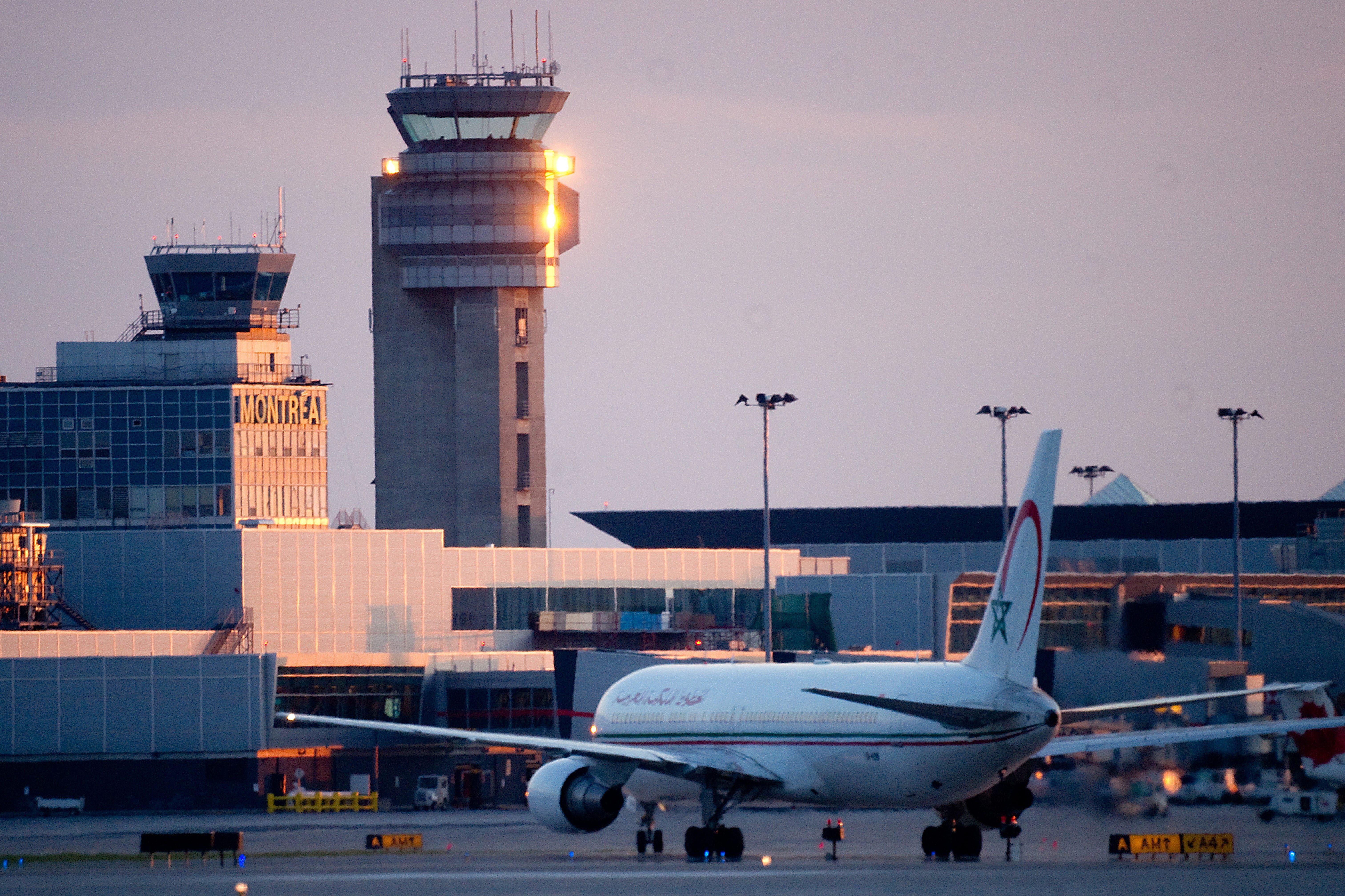 trudeau airport passport control kiosks