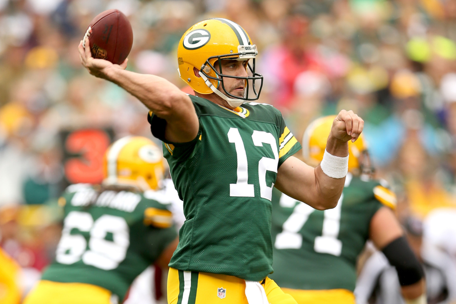Aaron Rodgers Best Performances Packers QB Makes History With Big Win Over Redskins PHOTOS
