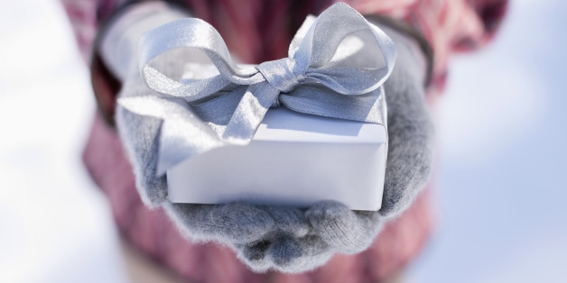 Holiday hostess gifts that will get you asked back next year huffpost solutioingenieria Choice Image