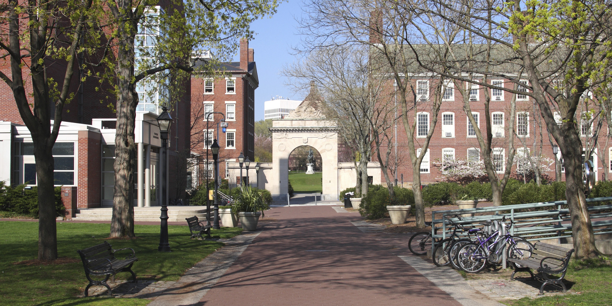 essay about college campus 10 tips for writing the college application essay but parents can help by ensuring schools offer adequate mental health services on campus.