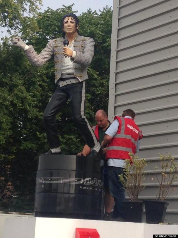michael jackson statue fulham