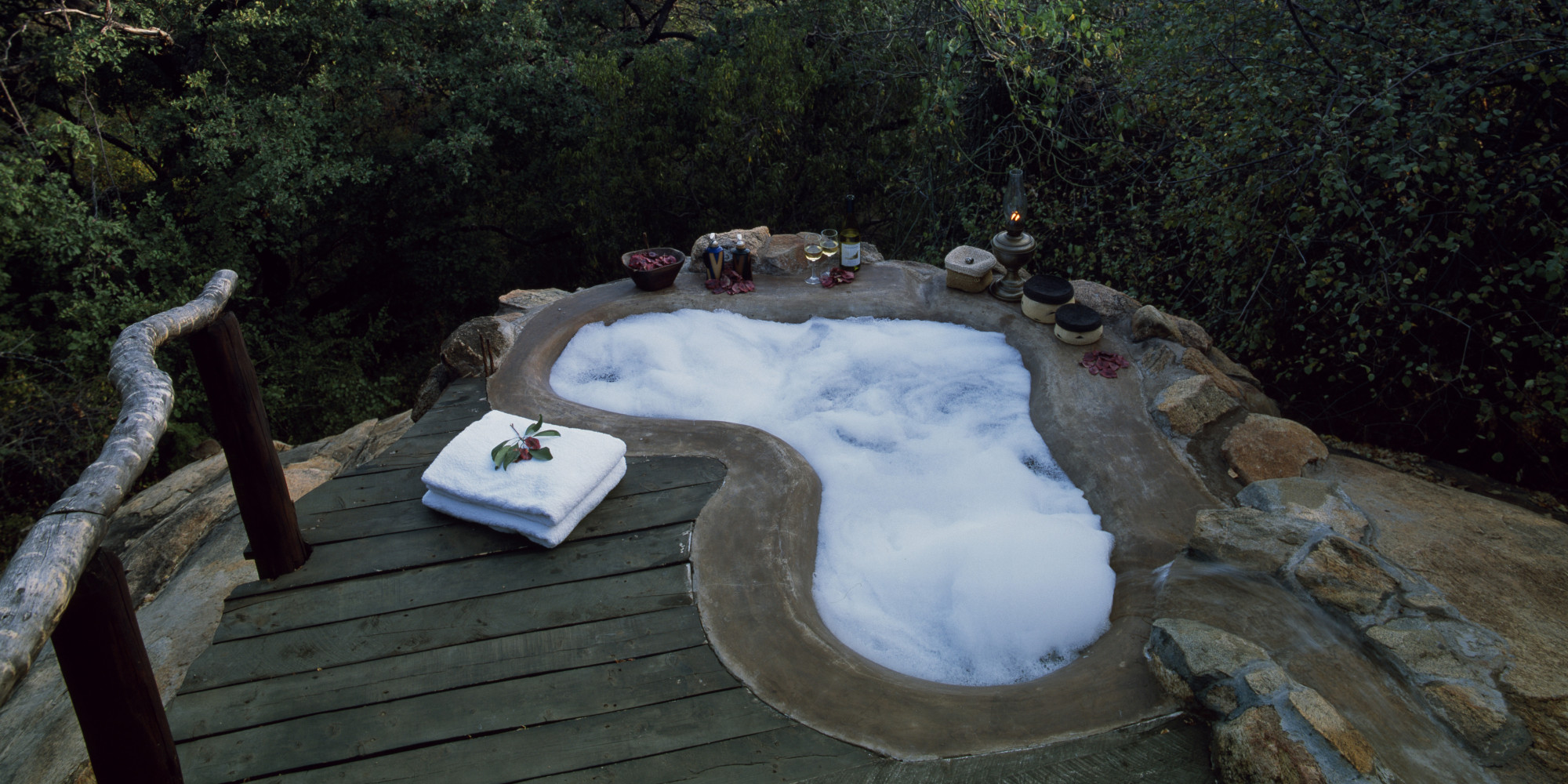 9 Outdoor Hotel Tubs You Need To Soak In | HuffPost