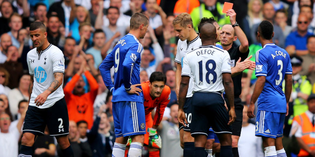 LONDON, ENGLAND - SEPTEMBER 28:  Fernando Torres of Chelsea (9) is shown the red card by referee Mike Dean and is sent off during the Barclays Premier League match between Tottenham Hotspur and Chelsea at White Hart Lane on September 28, 2013 in London, England.  (Photo by Clive Rose/Getty Images)