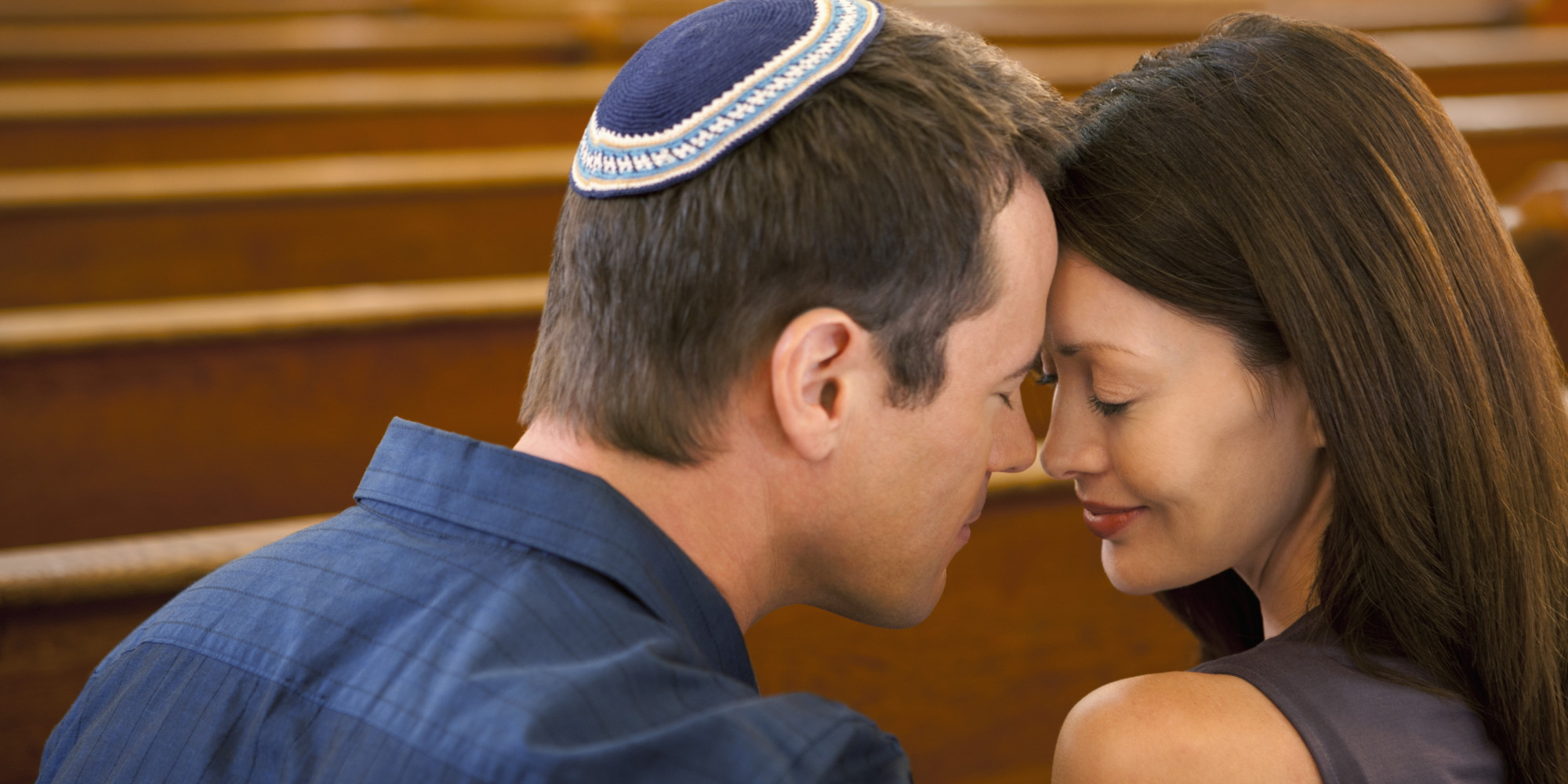 Jewish man dating non jewish woman