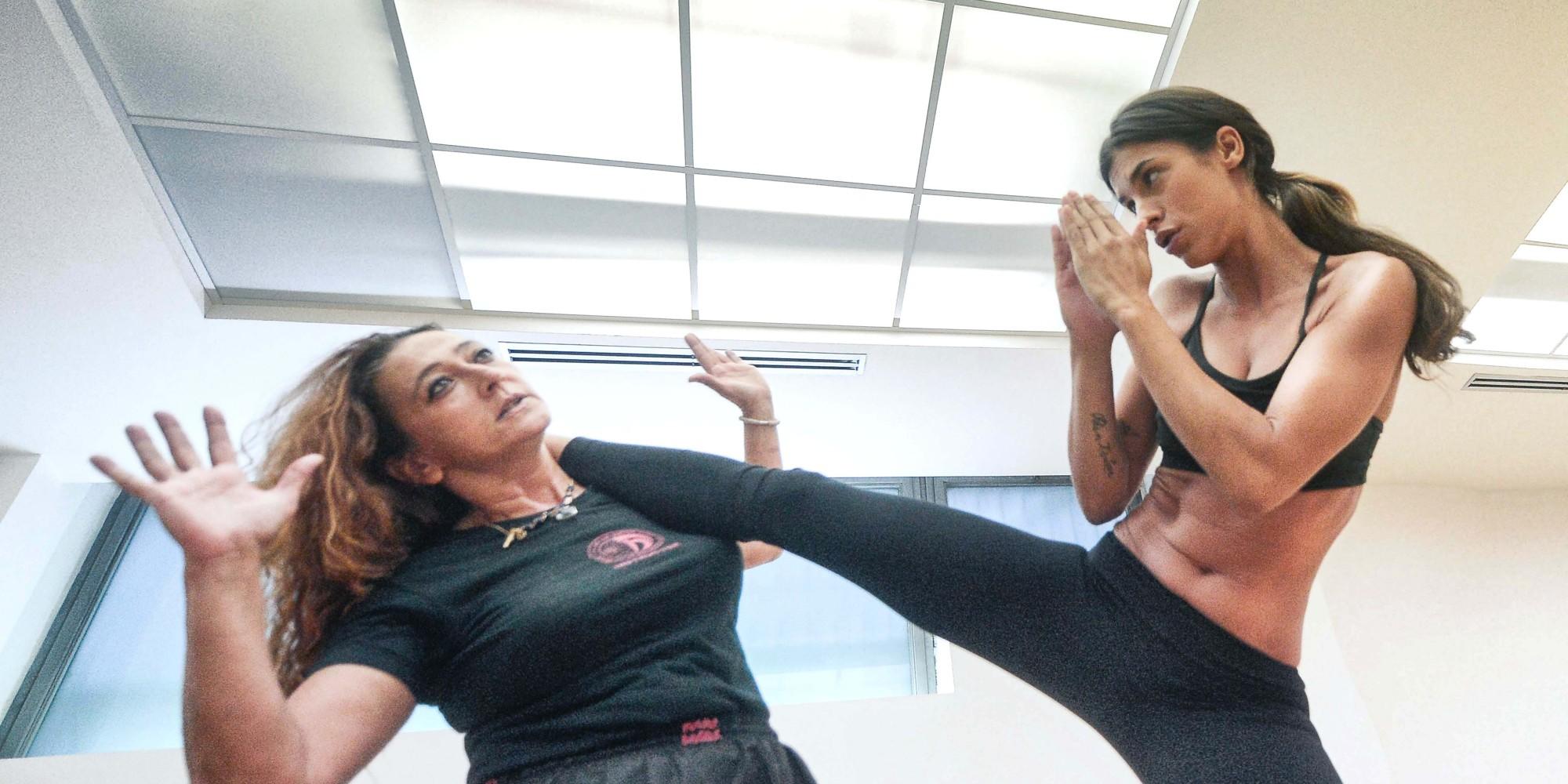 Elisabetta Canalis Will Kick Your Butt In A Sports Bra