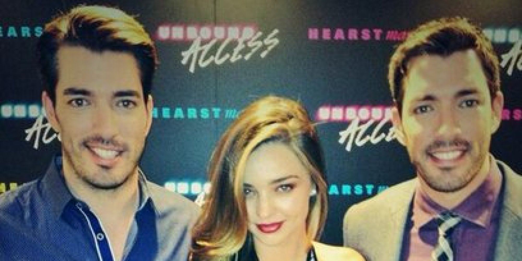 Property Brothers Jonathan And Drew Scott Cozy Up With Miranda Kerr Photo Huffpost