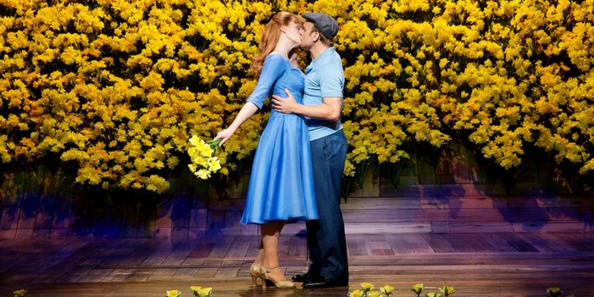 Review broadway 39 s 39 big fish 39 huffpost for Big fish facebook