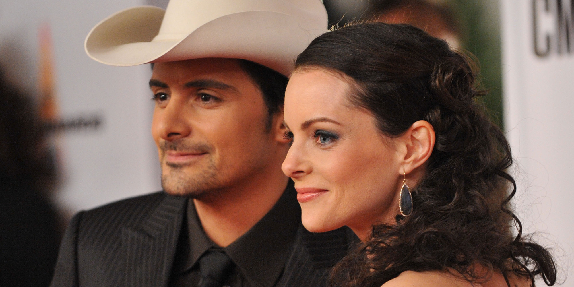 Brad Paisley Wife Kimberly Williams Victims Of Online Cancer Hoax Huffpost