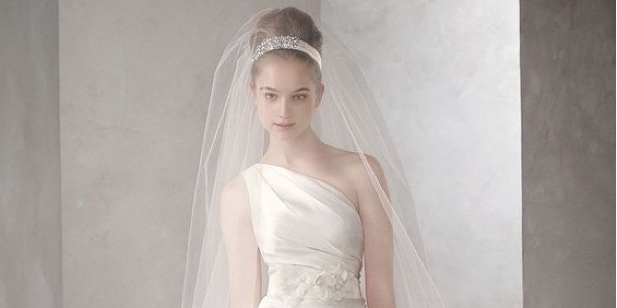 10 Wedding Dresses That Won\'t Blow Your Entire Budget | HuffPost