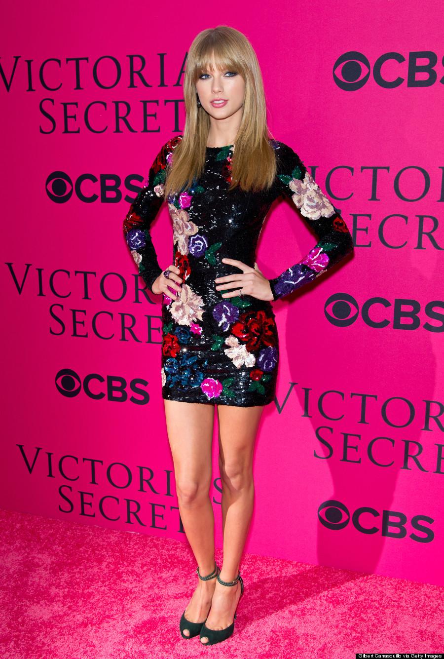 edcc77de146 Taylor Swift Victoria s Secret Fashion Show 2013  Singer Rules Red ...