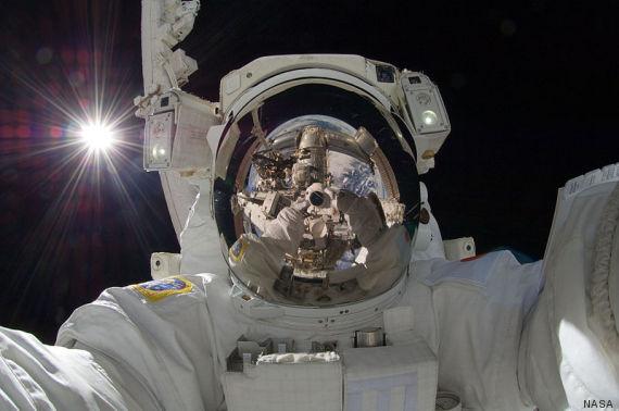 selfie cosmonaute