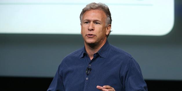 Apple Exec Phil Schiller: Samsung Hurt iPad, iPhone Sales