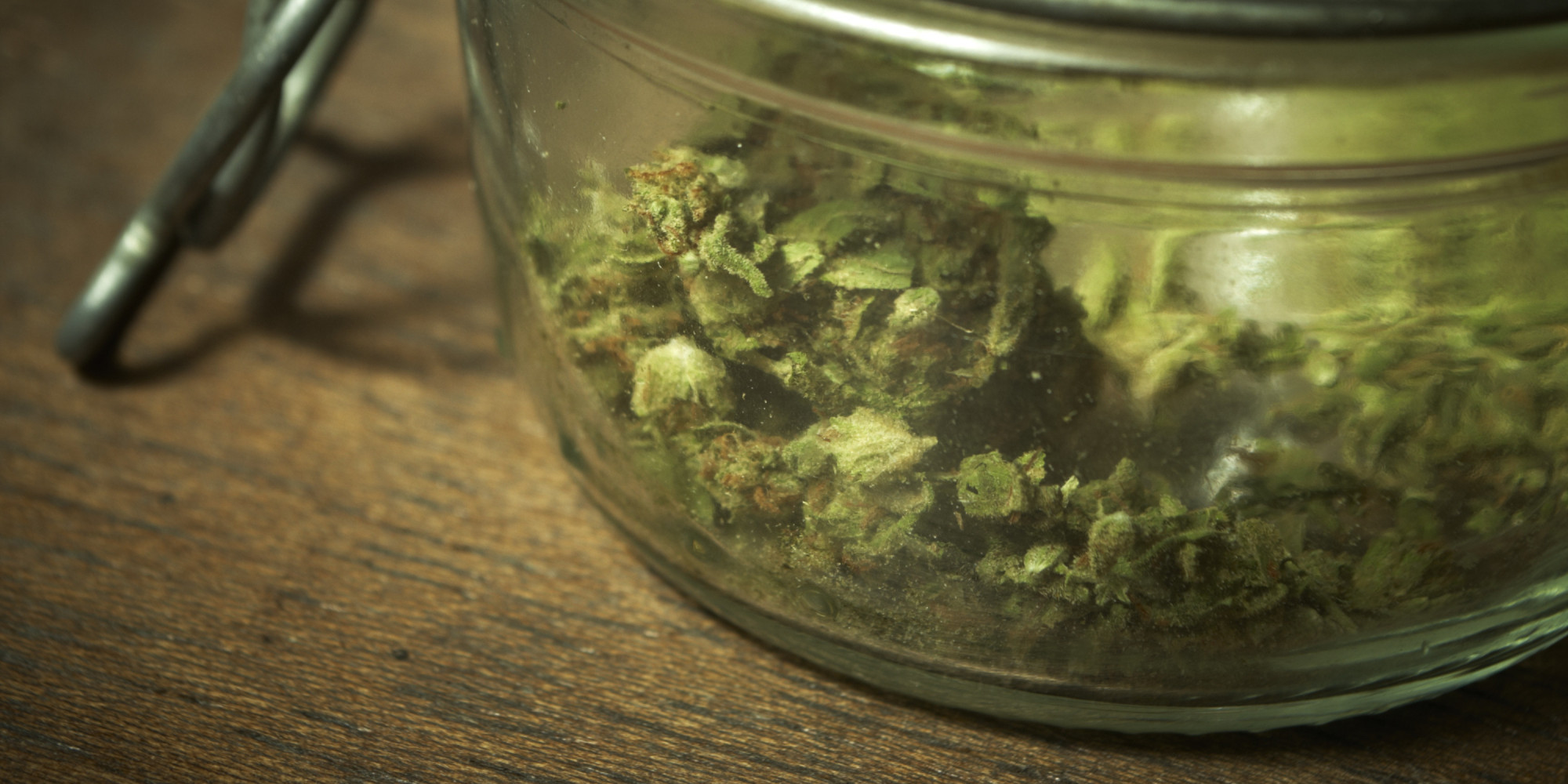 medical marijuana definition Medical marijuana uses the marijuana plant or chemicals in it to treat diseases or conditions it's basically the same product as recreational marijuana, but it's taken for medical purposes.