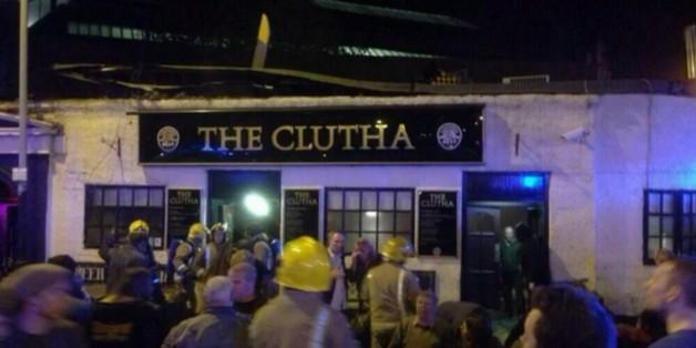 Un hélicoptère de la police s'écrase sur un pub à Glasgow