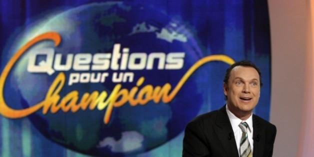 """Samuel Étienne remplacera Julien Lepers à """"Questions pour un Champion"""", selon Puremédias et Télé 7 jours"""