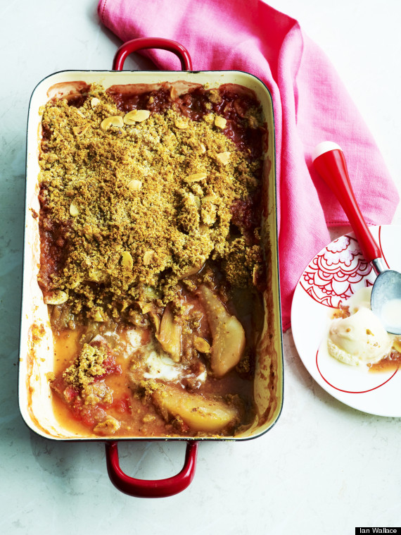 pear and rhubard crumble