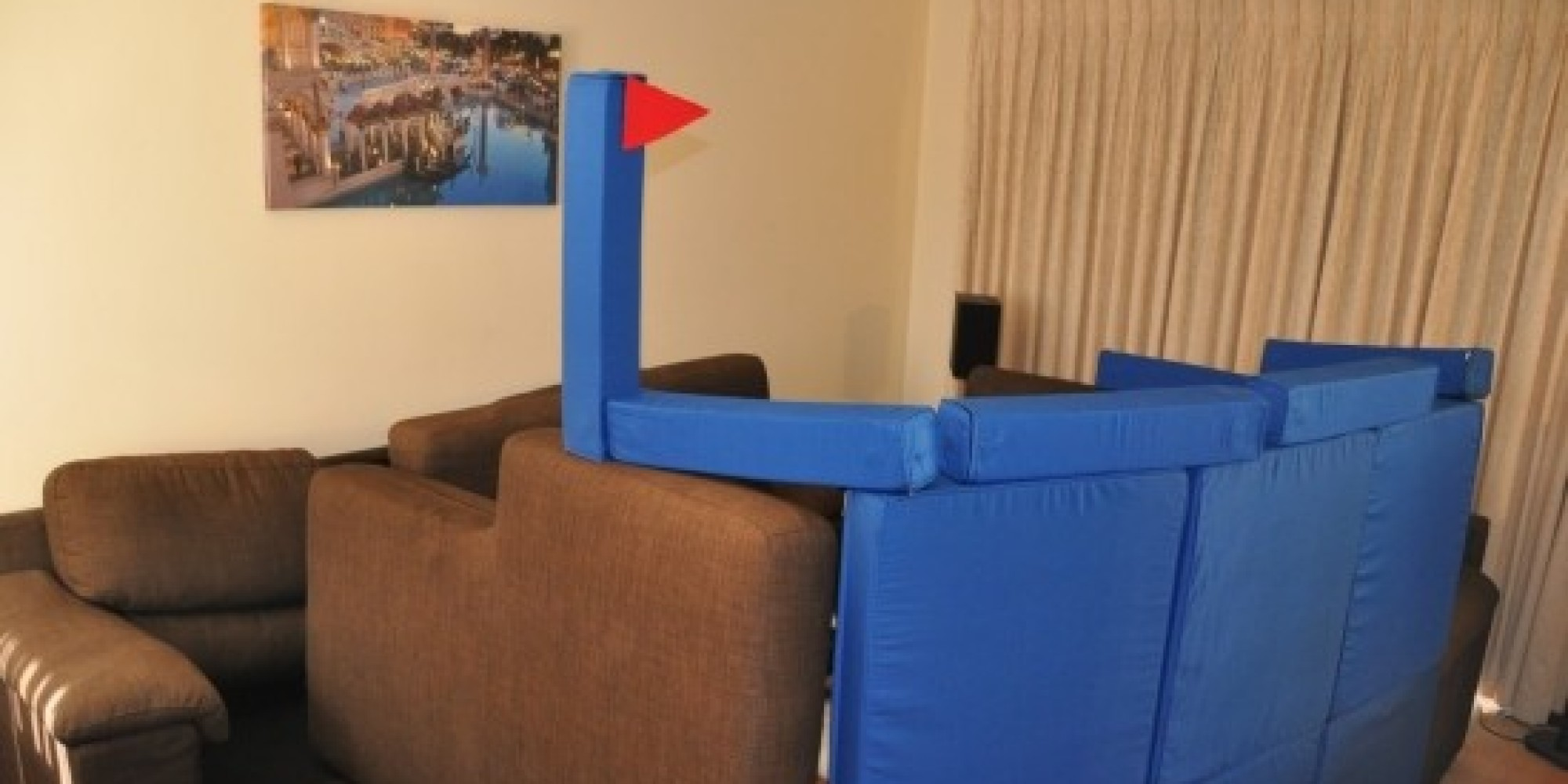 Squishy Forts Magnetic Cushions Let You Build The Ultimate Pillow Fortress
