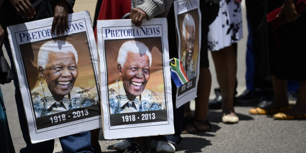 Alleged Mandela Deathbed Photo Surfaces On Social Media, Sparks Anger
