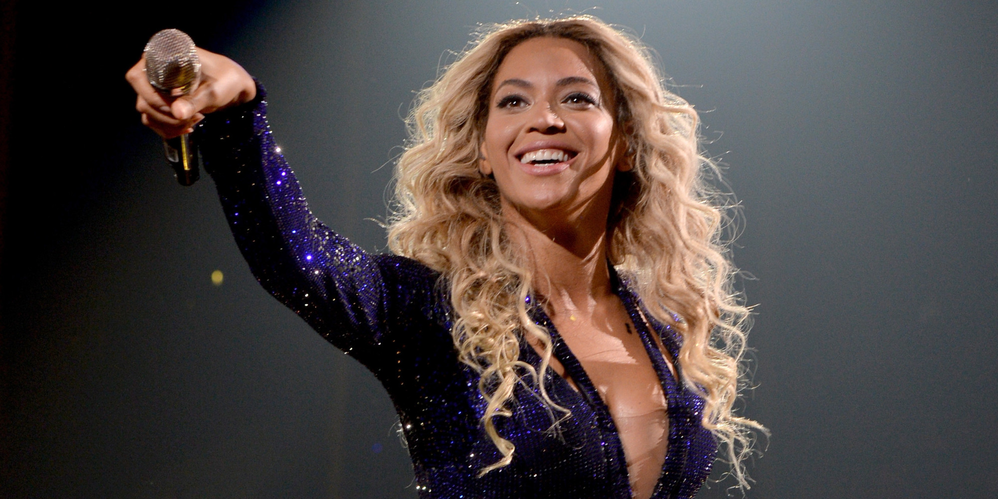 BEYONCE : Performs New Song XO for First Time in Chicago