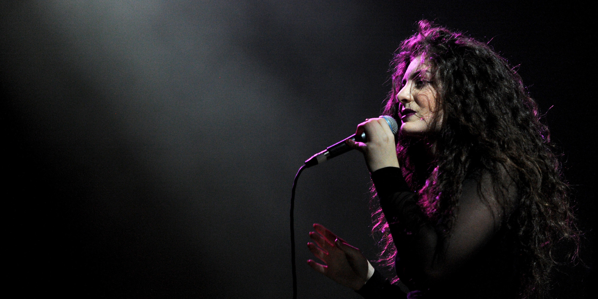 Lorde Talks With Fans During Reddit AMA | HuffPost