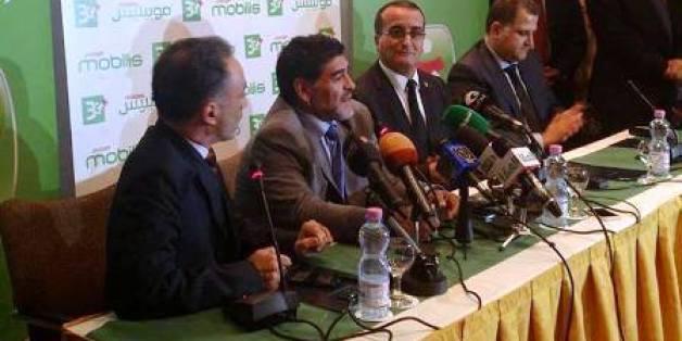 Maradona à la conférence de presse du lancement de la 3G à Alger, 16 décembre 2013