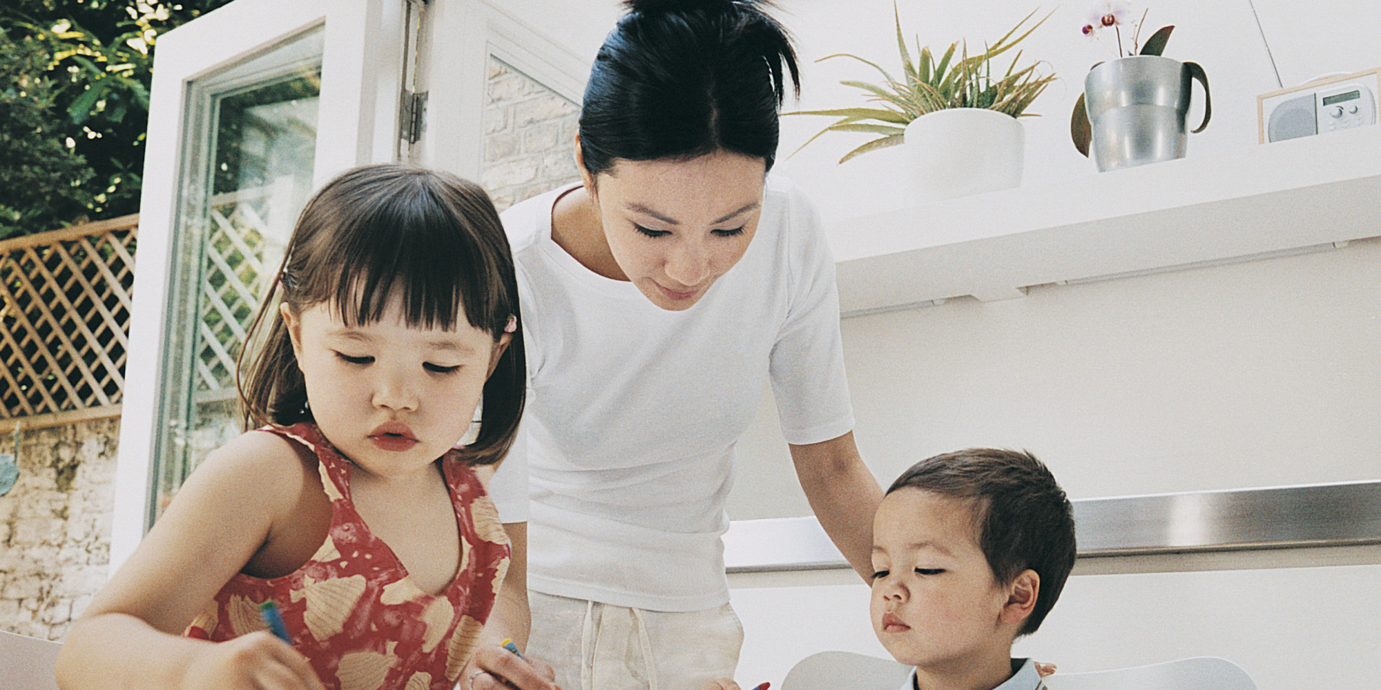 raising children as a single divorced mom Facts about single parenting this is a new age of parenting the statistics reveal the rates of divorce are skyrocketing there are singles who would want to shoulder the responsibility of adopting a child or a couple of children, all by themselves.