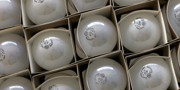 Only 4 In 10 Americans Are Aware Of The Incandescent Lightbulb Phase Out