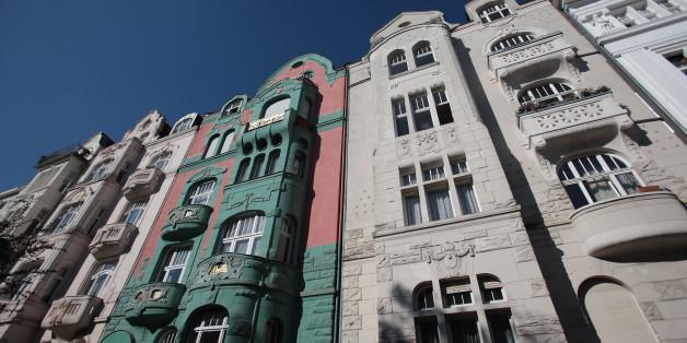 Nur knapp jeder dritte Mieter in Deutschland hat schon einmal mithilfe des Mietspiegels geprüft, ob er zu viel für seine Wohnung zahlt.