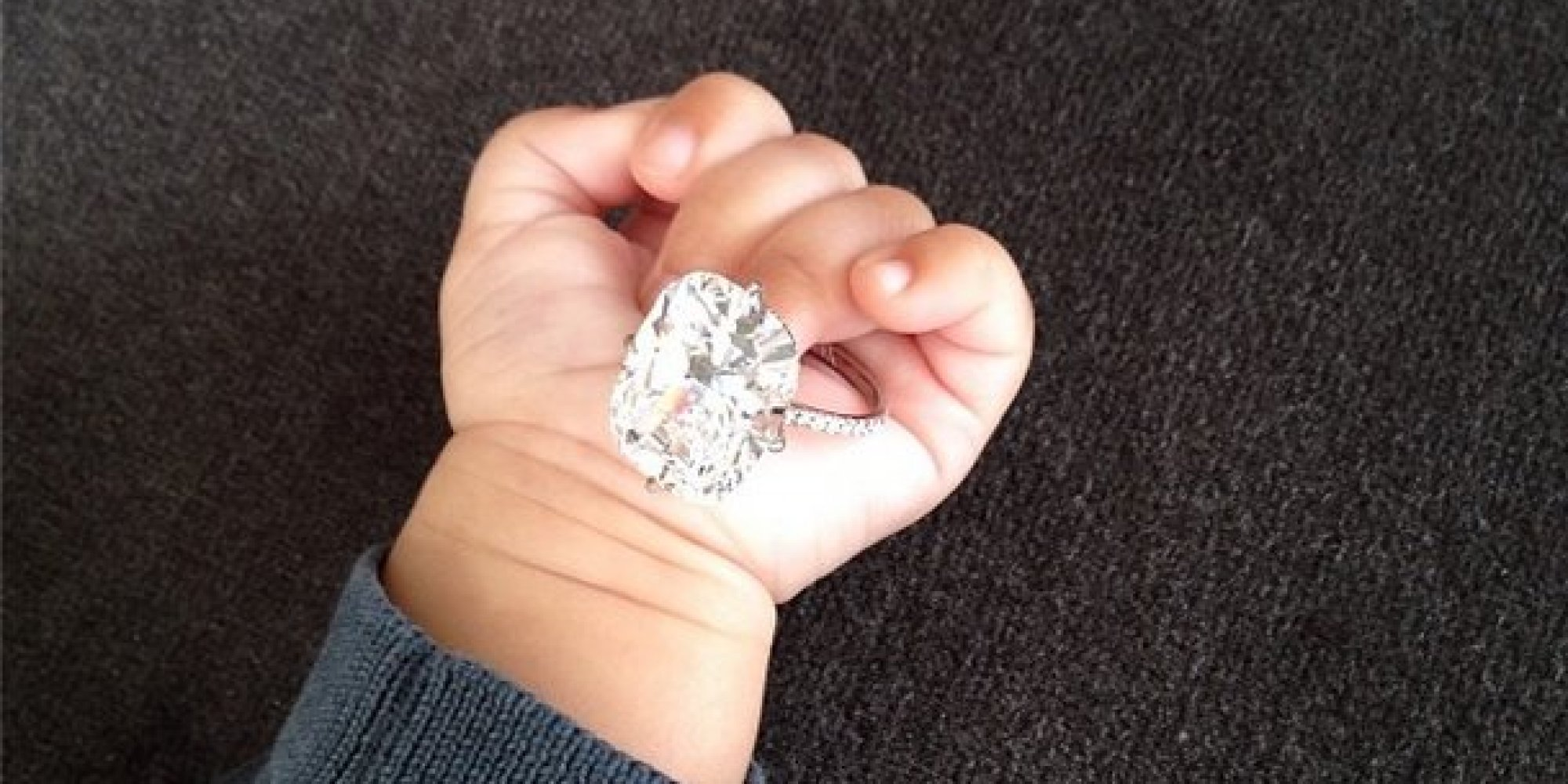 Kim Kardashian Posts New Years Photo Of Her Engagement Ring And