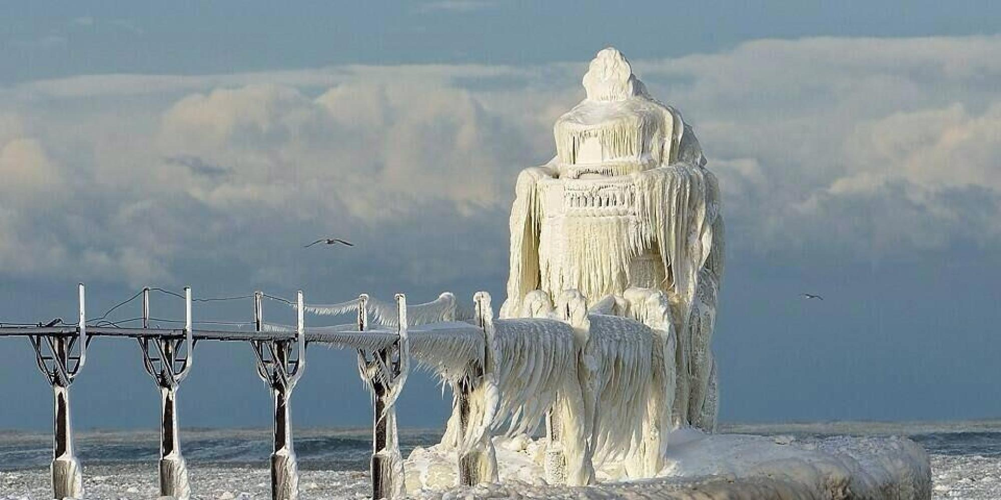 Stunning Photo Of Frozen Lake Michigan Lighthouse Goes