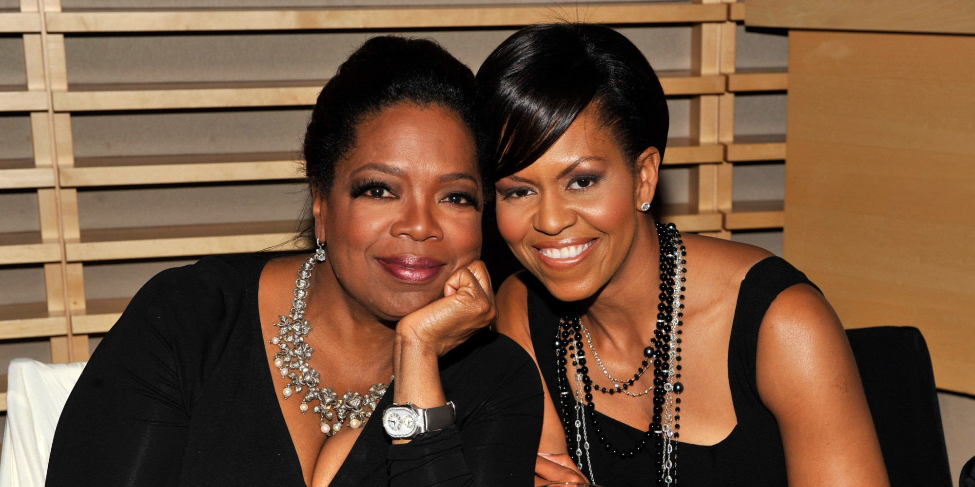 Oprah And Michelle Obama 39 S Hawaii Hangout In Gifs Huffpost