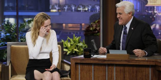 Leslie Mann Bids Jay Leno A Tearful Goodbye On 'The Tonight Show'
