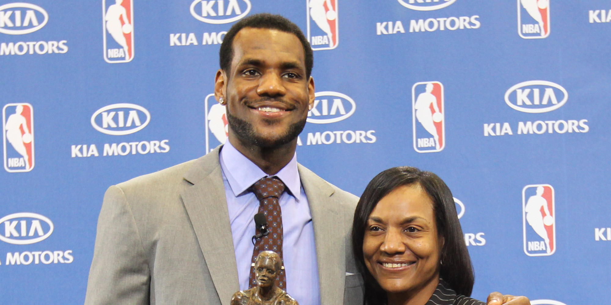 lebron james pens touching essay on being raised by a single mom  lebron james pens touching essay on being raised by a single mom huffpost