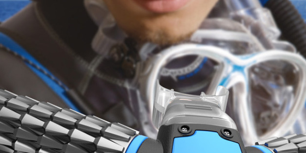 'Triton' Oxygen Mask Claims To Draw Oxygen From Water While You Swim