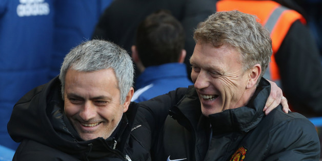 Mourinho greets Moyes ahead of Chelsea's 3-1 defeat of United
