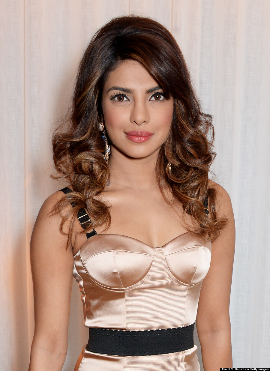 Priyanka Chopra Looks Gorgeous In Sexy Satin Bustier Dress Photos Sport Bra Golden Nick Good Quality Not Only Did She Attend The 2014 Globes But Also Got Chance To Be Dressed By Fashion Wunderkind Prabal Gurung For A Swanky Party
