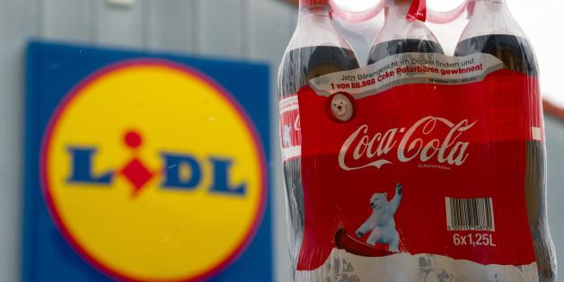 Bei Lidl fliegt Coca-Cola aus den Regalen - vielleicht nur kurzfristig, vermutet ein Handelsexperte