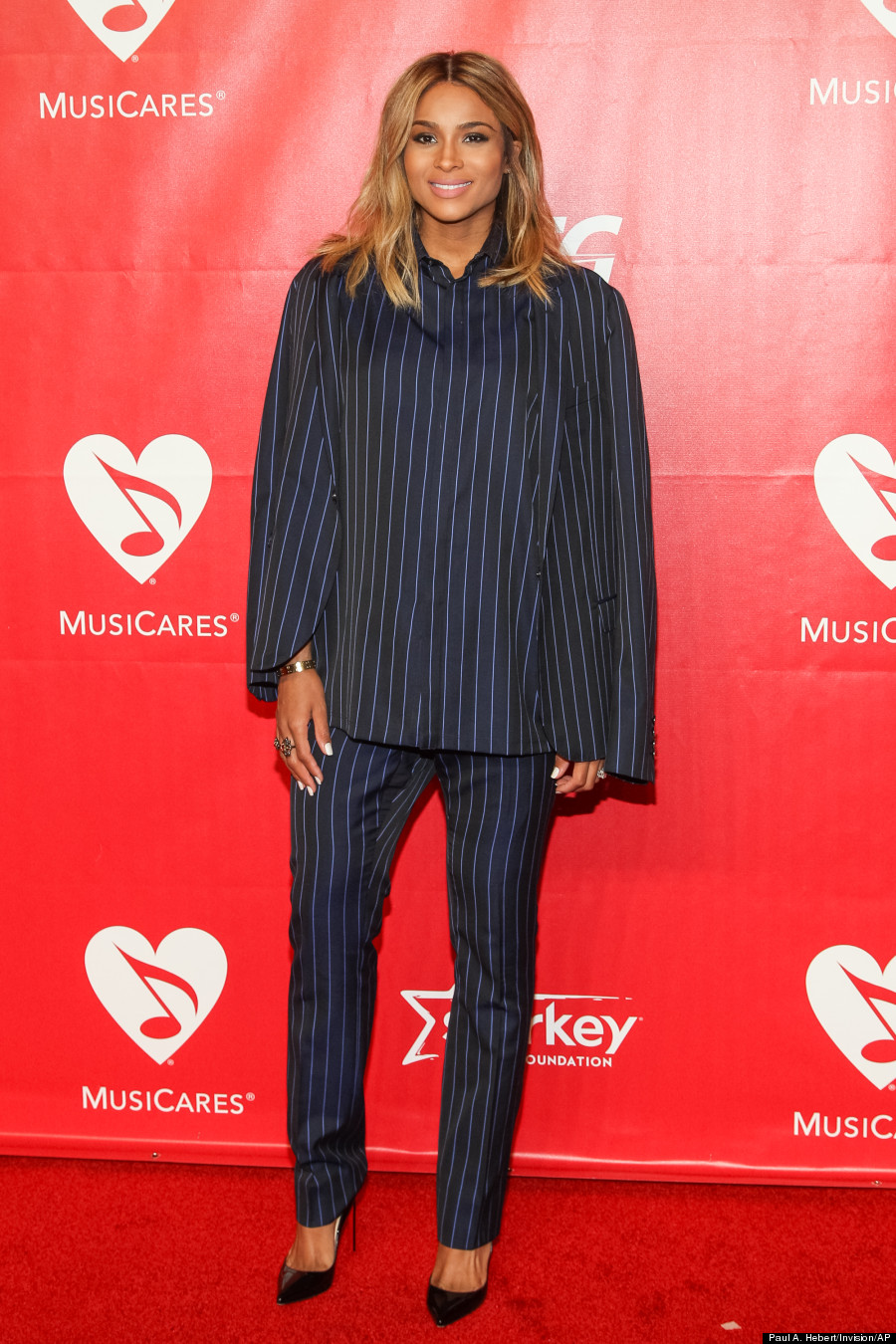 Ciara Grammys 2014 Singer S Baby Bump Is Gorgeous On Red
