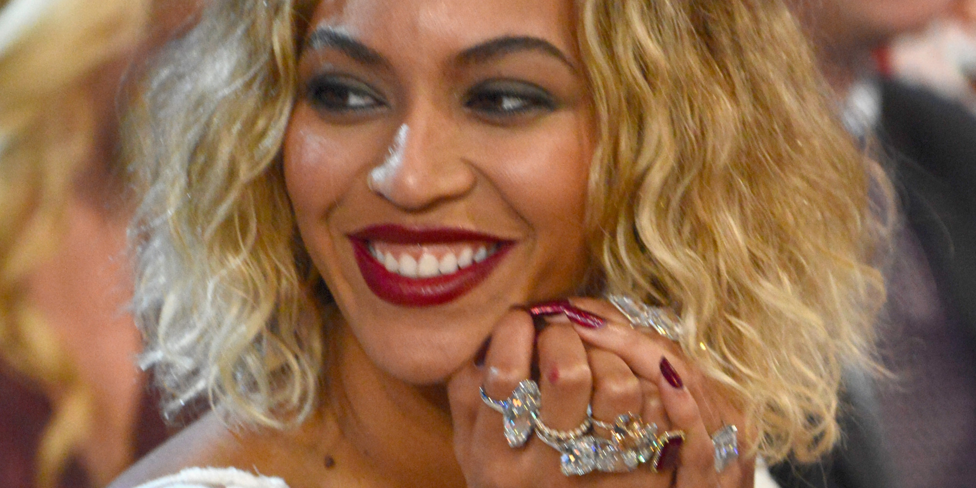 Beyonce Wore Jewels Worth 10 Million For 2014 Grammys PHOTOS