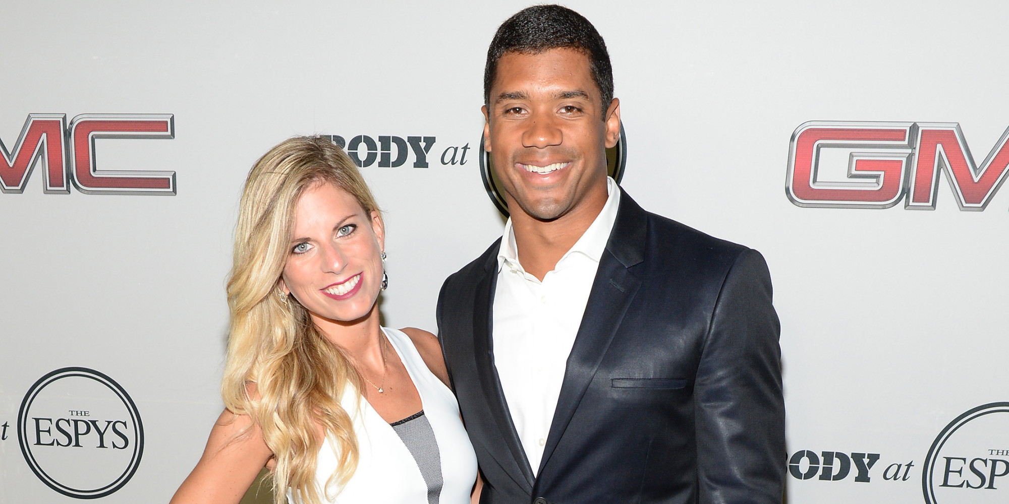 hot football wives and girlfriends to distract you from