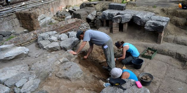 World's Oldest Roman Temple Believed Uncovered In Italy (PHOTOS)