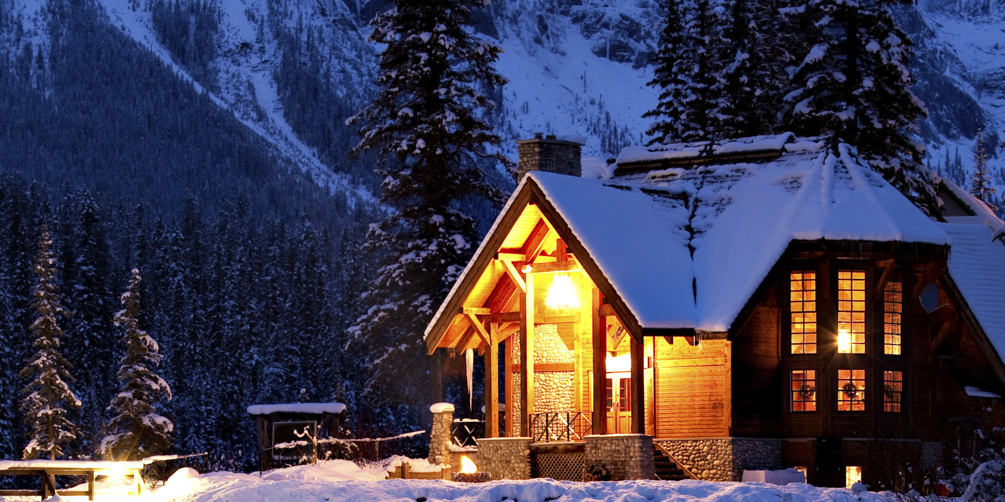 This 118 ft2 small Norwegian ski cabin comfortably accommodates a ...
