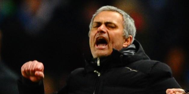 Mourinho celebrates Chelsea's win at City