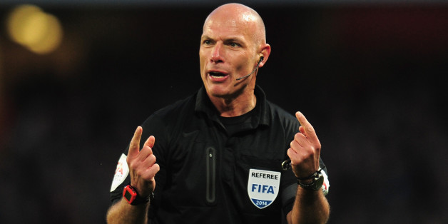 LONDON, ENGLAND - FEBRUARY 16:  Referee Howard Webb during the FA Cup fifth round match between Arsenal and Liverpool at Emirates Stadium on February 16, 2014 in London, England.  (Photo by Shaun Botterill/Getty Images)